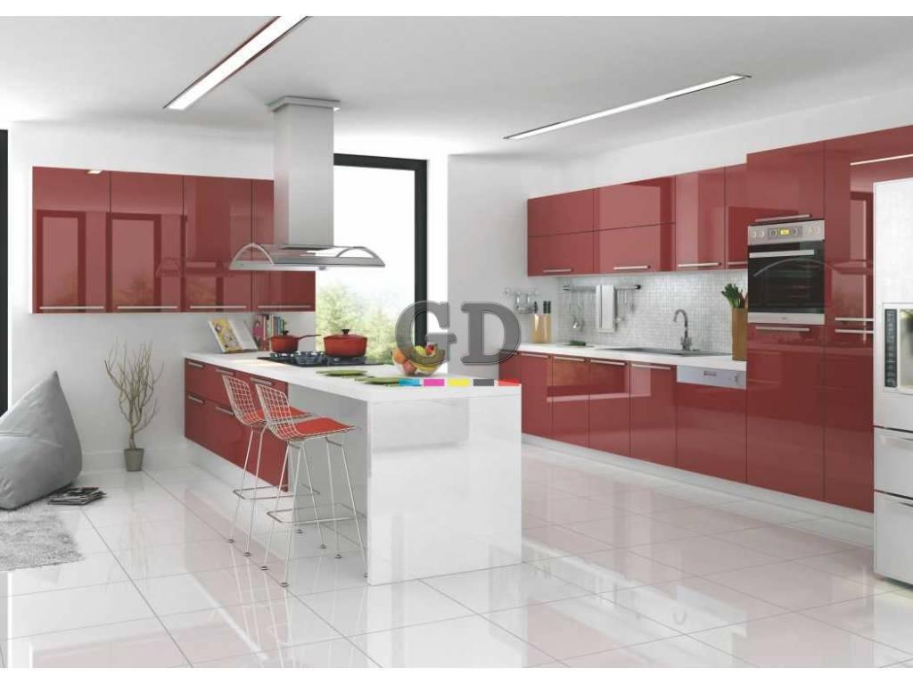 Kırmızı Akrilik Kapaklı Mutfak Dolabı
