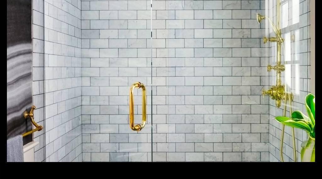 Tuğla Desenli Duşakabin Duvarları